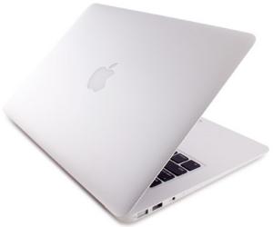 best lightweight laptop - Apple MAcbook Air 13