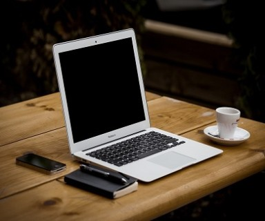 traits of a good business laptop